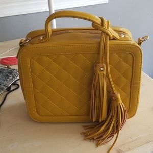 A beautifully constructed purse brand new